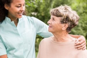 How to choose a perfect home care service for elderly people